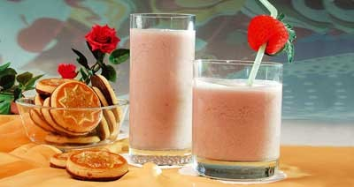 Молочный коктейль со смородиной